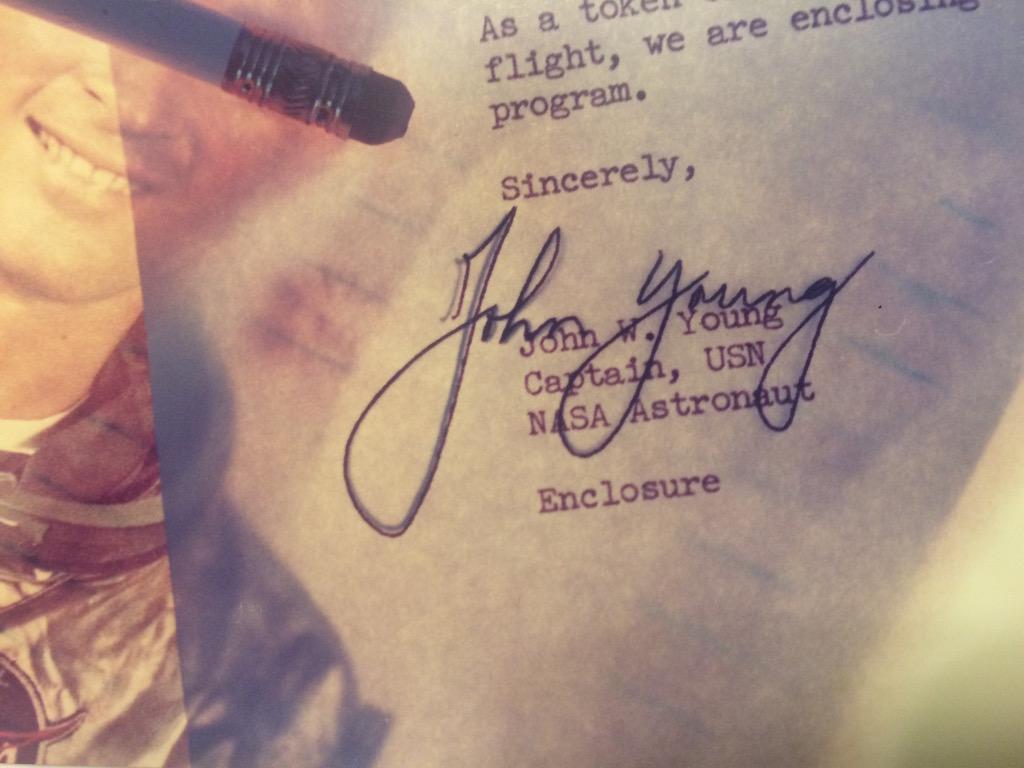 Autograph – Real Autograph
